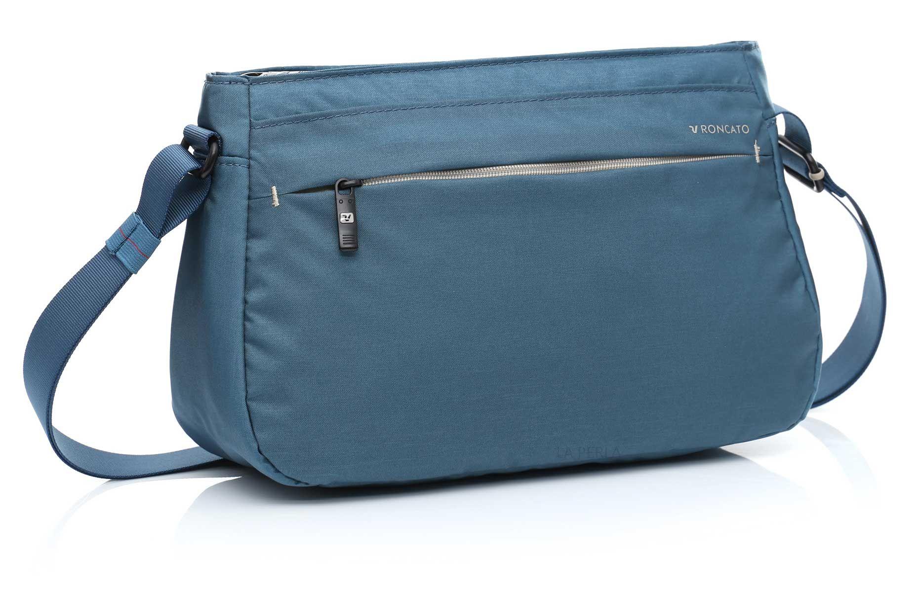 64562dcdf93fd Torebka na ramię marki Roncato z kolekcji Land - kolor błękitny ...